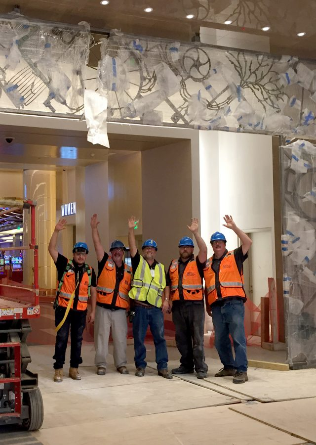 Installation of Bob Dylan sculpture at MGM National Harbor
