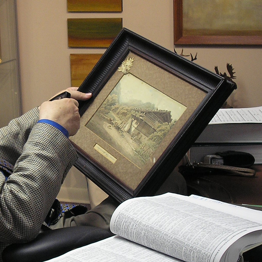 art and frame appraisal at Broadway Gallery